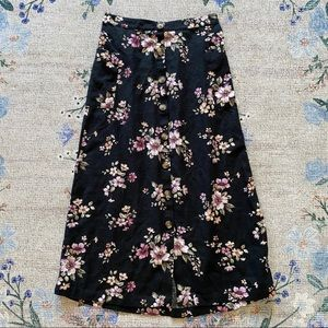 XS AE floral maxi midi black skirt button up front
